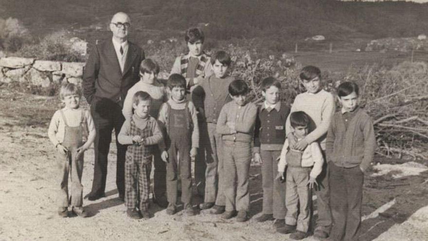 O día 6 de outubro de 1934 péchanse moitas Casas do Pobo na provincia