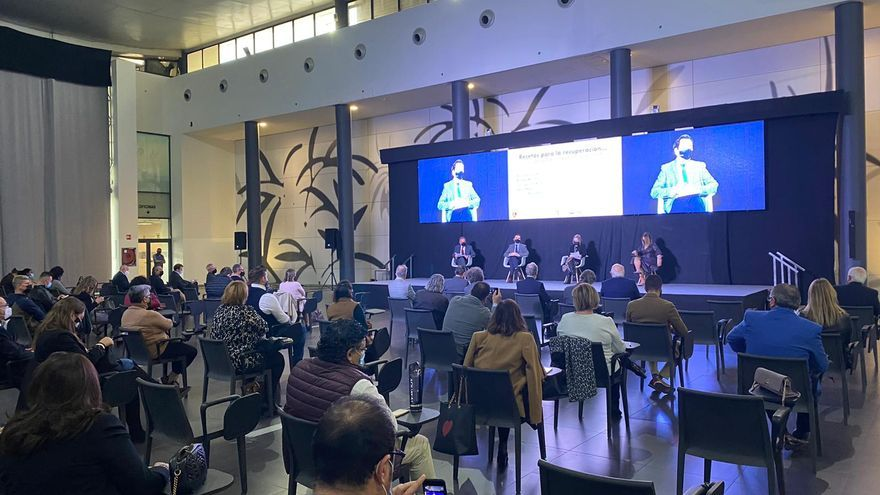 Expertos recetan excelencia y competitividad en las jornadas de Alicante Gastronómica sobre la salida de la crisis