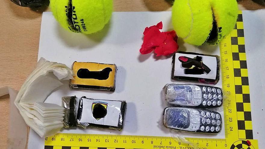 Detenido por tirar pelotas de tenis con droga y móviles a una cárcel de Tenerife