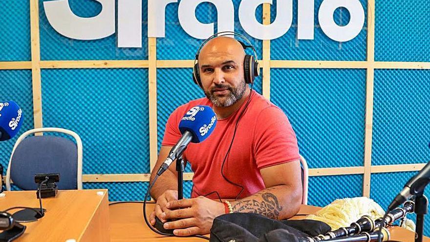 """El gaiteiro Xulio Lorenzo se pasa a la radio cultural con """"Sons dos garalleiros"""""""