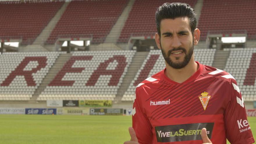 El defensa Álvaro Moreno regresa al Real Murcia