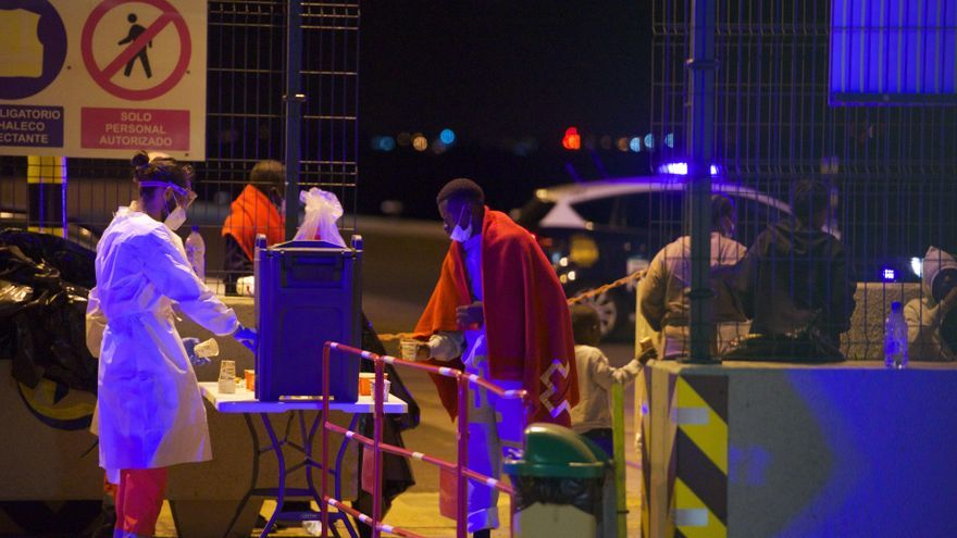 Traslado de migrantes a Gran Tarajal (14/04/21)