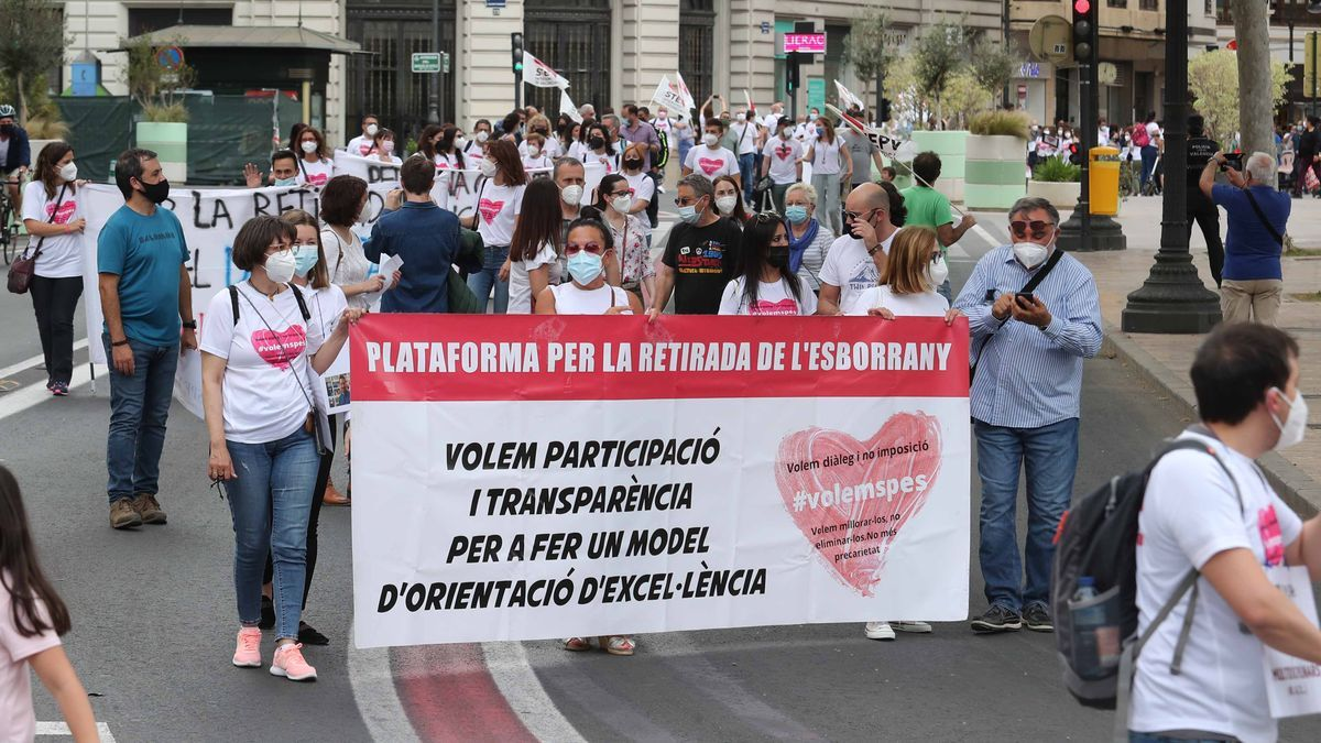 Manifestación de los trabajadores de los SPE, en València.