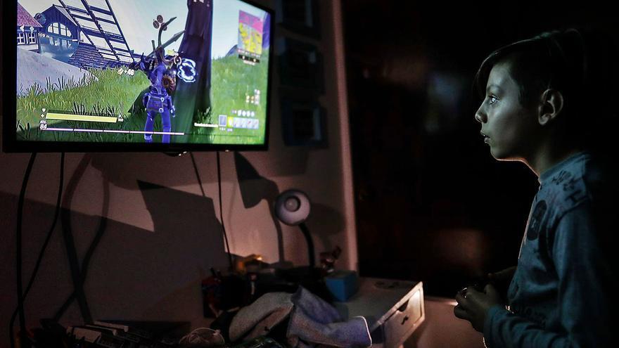 """Cincuenta mil adolescentes gallegos usan videojuegos que incitan al pago """"online"""""""