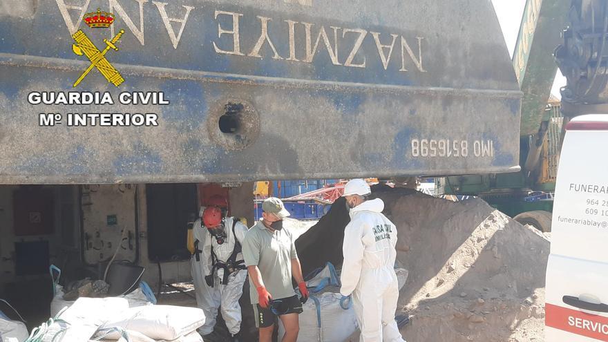 Recuperan en el interior del barco el cuerpo del estibador desaparecido en el Port de Castelló