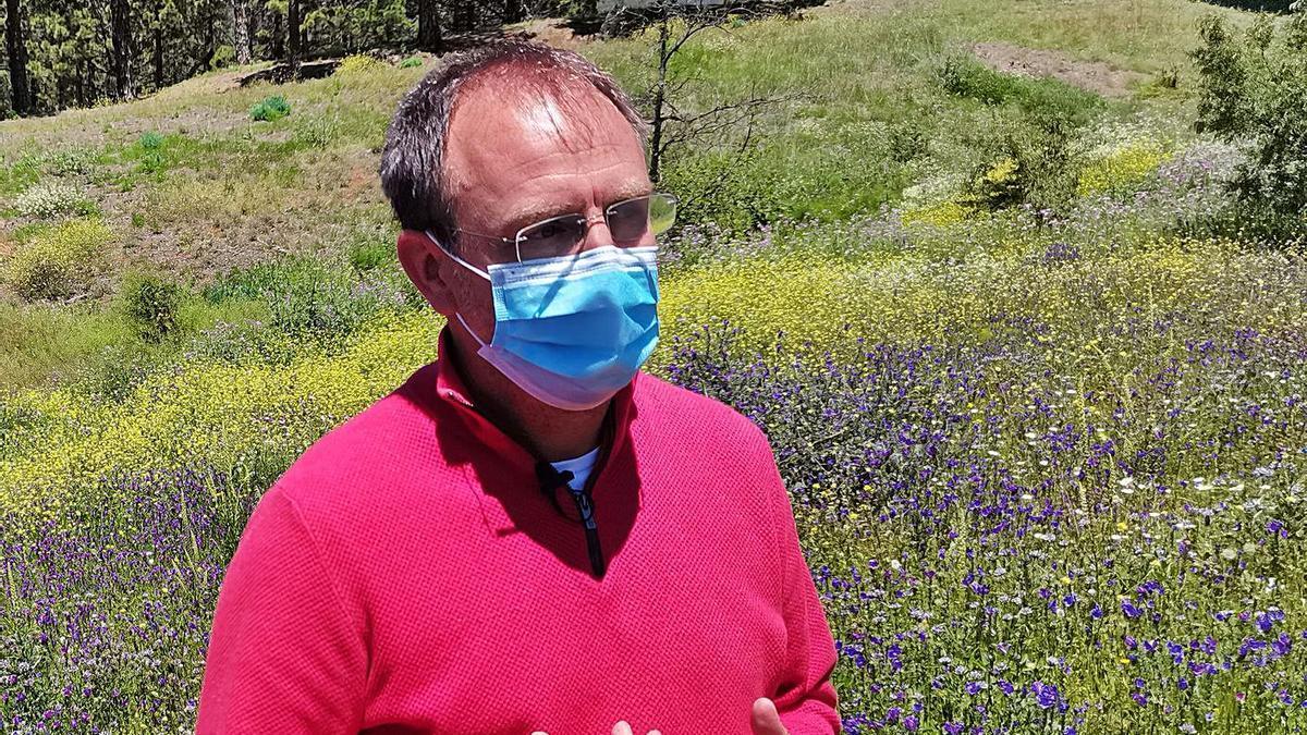 El alcalde de El Paso, Sergio Rodríguez, en la Hacienda de El Pino.