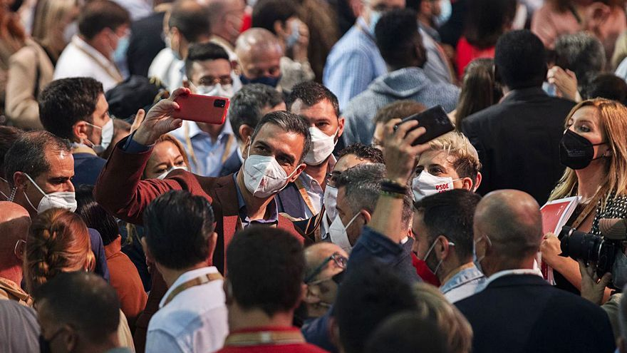 El congreso de unidad restaña las heridas y cierra filas con Sánchez