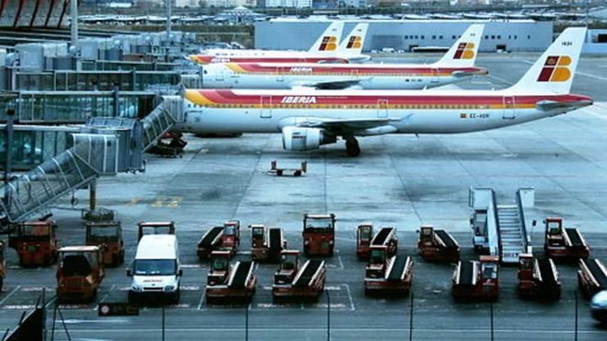 Un avió prepara un aterratge d'emergència a Madrid per problemes tècnics