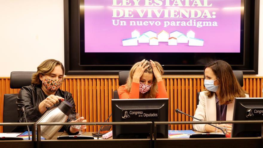"""Belarra, Díaz y Colau celebran que la vivienda """"deja de ser bien de mercado"""""""