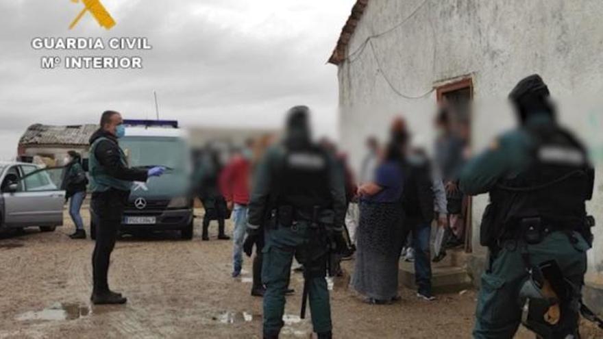 La Guardia Civil desarticula en Zamora una red de trata de seres humanos que explotaban laboralmente