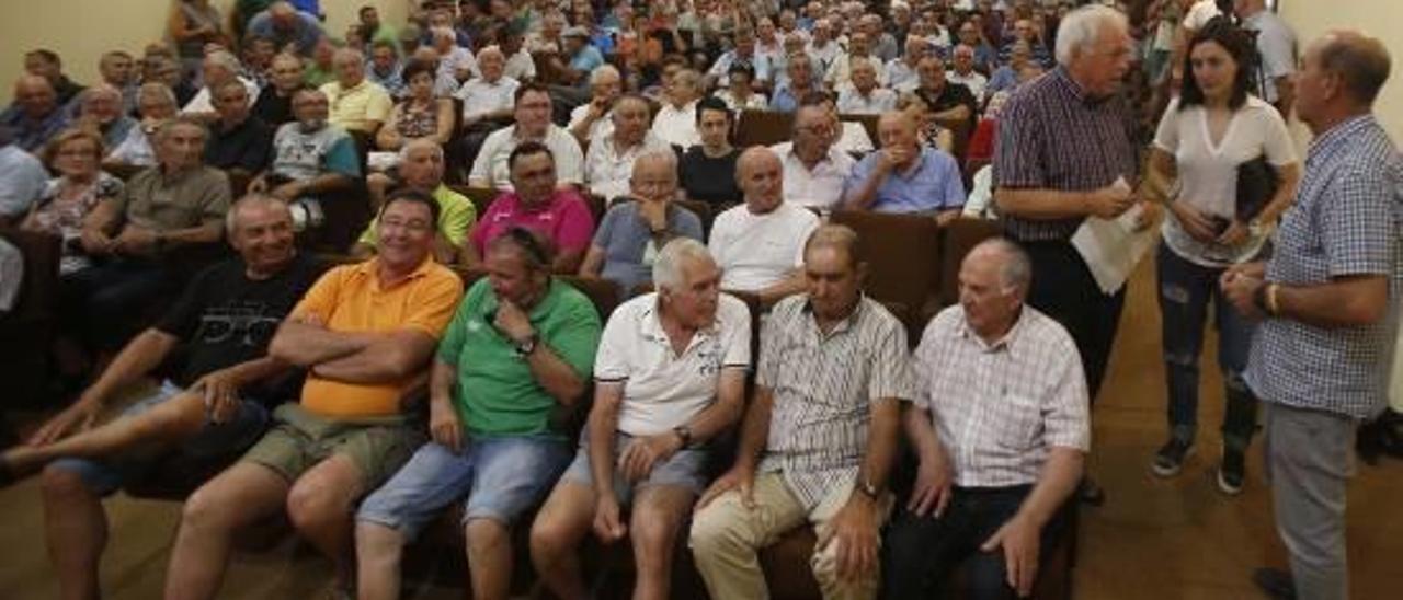 La asamblea de Algemesí demuestra la inquietud de los agricultores