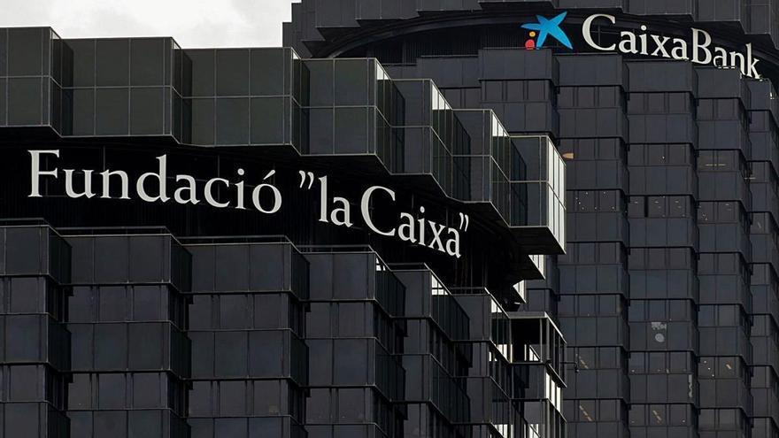 CaixaBank vol acomiadar 8.291 empleats en el major ERO d'un banc a Espanya