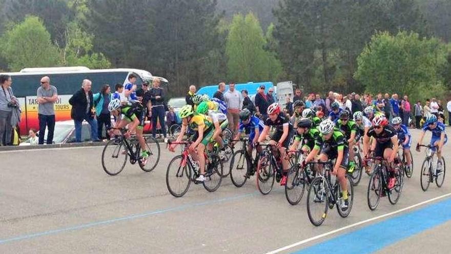 Más de doscientos inscritos en una prueba ciclista en Barcia