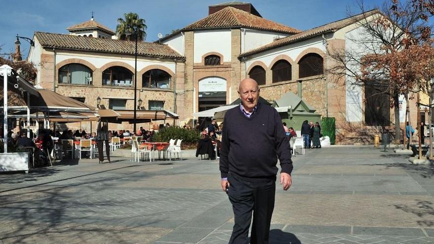 Las academias andaluzas homenajean al padre español del ibuprofeno y creador de la aspirina soluble