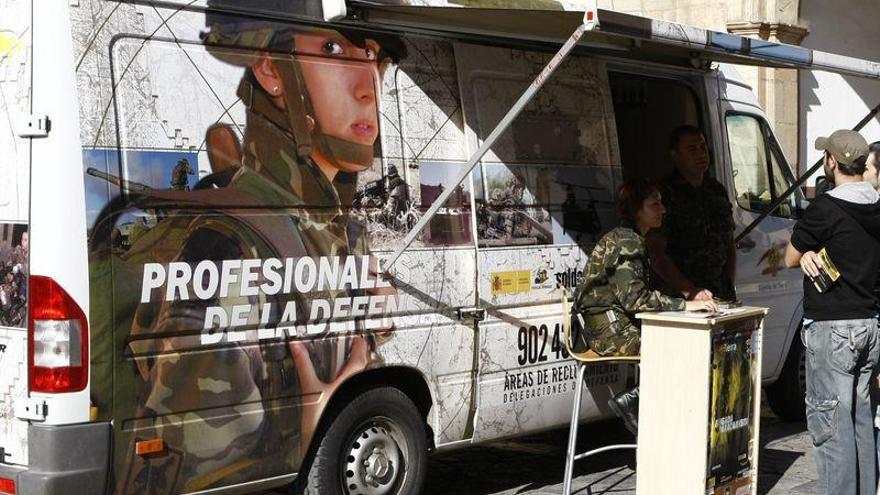 Convocan 674 plazas para acceder a las Fuerzas Armadas