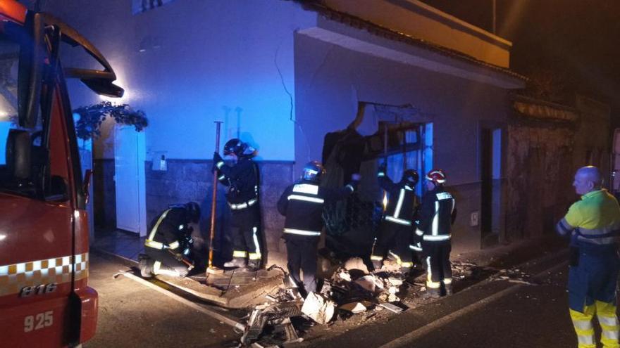Un camión se estampa contra una casa en Marzagán