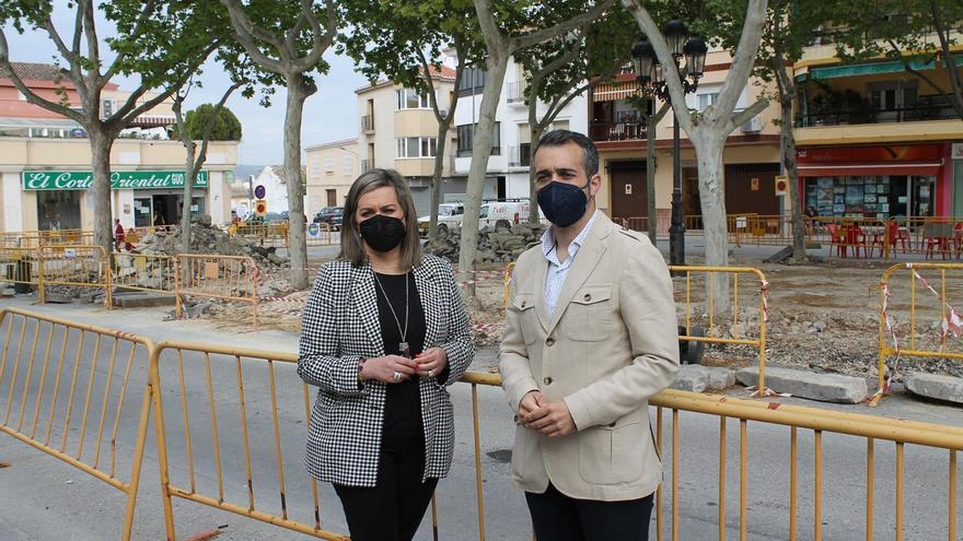 El PSOE exige a la alcaldesa de Baena solucionar la paralización de la obras que están afectando a los comercios