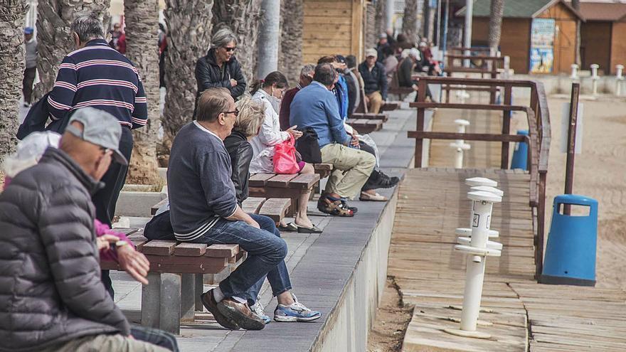 Un informe eleva al 31% los vecinos de Torrevieja que viven de una pensión