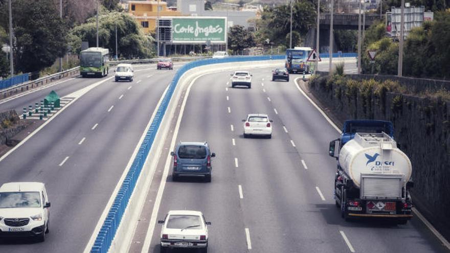 El Ayuntamiento insta al Gobierno y al Cabildo a avanzar en el carril bus-VAO