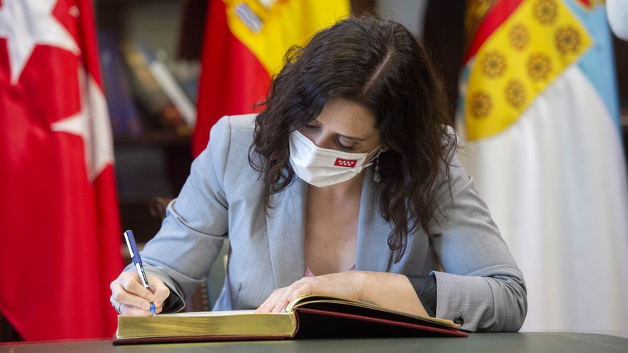 Madrid no vacunará al personal de los colegios electorales para el 4M
