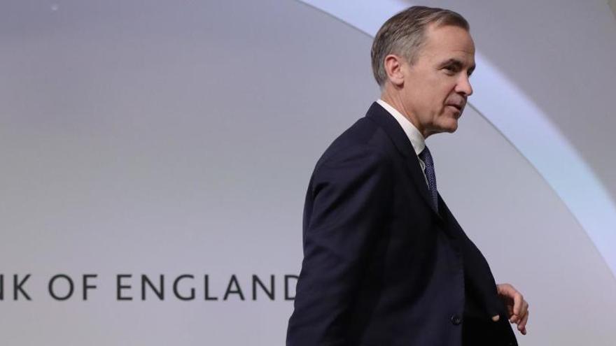 El Banco de Inglaterra baja los tipos medio punto