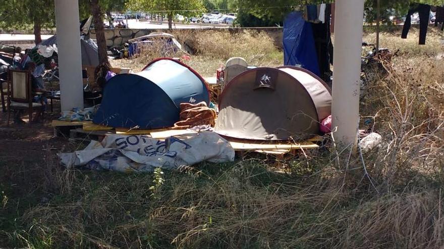 Se dispara el número de 'sin techo' que duerme en los puentes de la Vía de Cintura de Palma