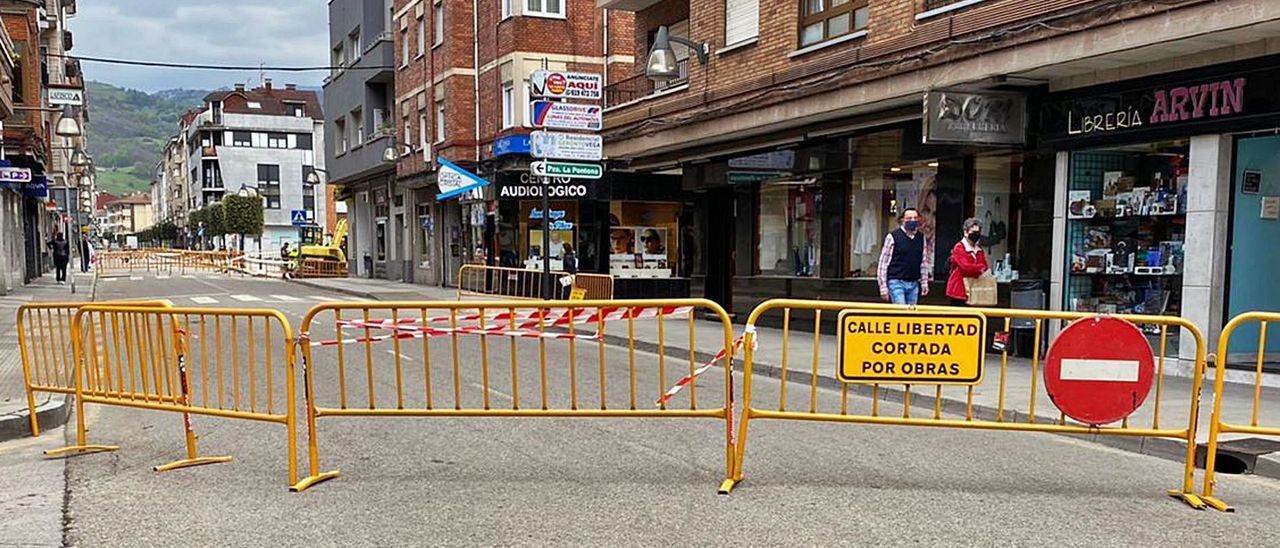El tramo de la calle Libertad que permanece cortado.