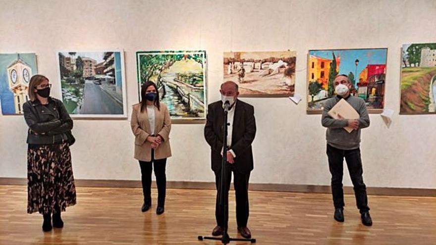 Blas Tomás gana el certamen de pintura del Ateneu de Paterna con una obra de la plaza Mayor
