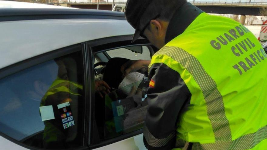 Todas las multas relacionadas con las lunas del coche