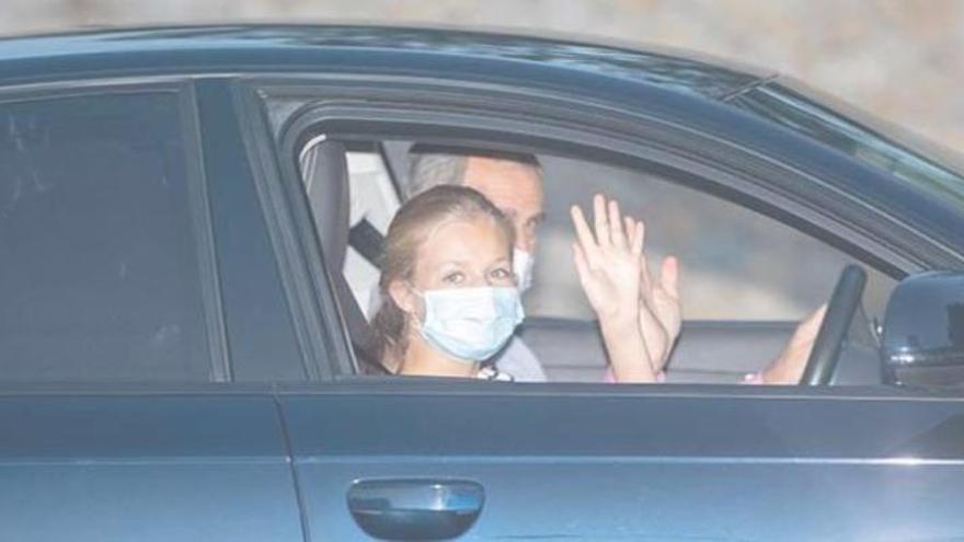 Königsfamilie auf Mallorca angekommen
