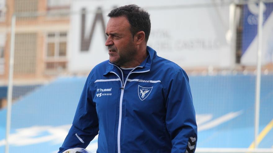 """Salmerón: """"El San Fernando tiene jugadores de superior categoría"""""""