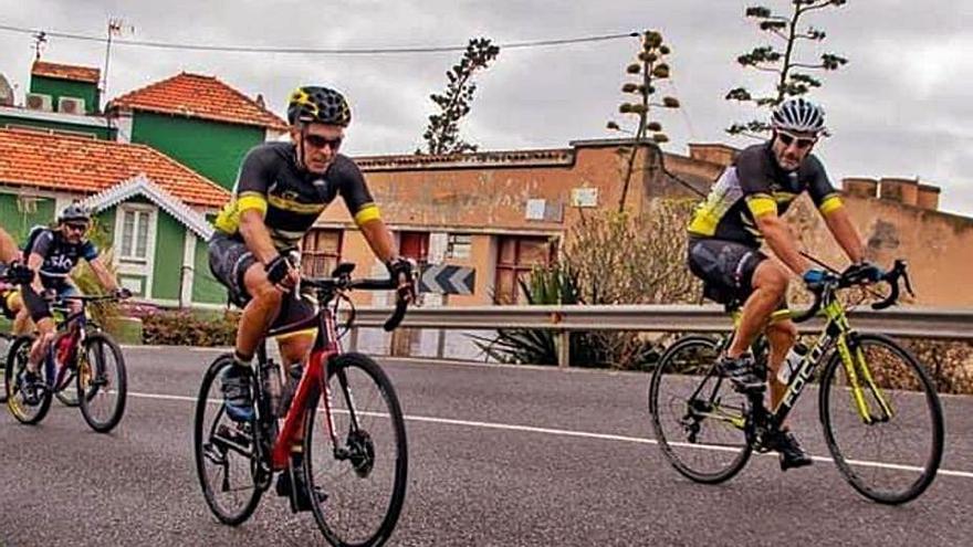 La Marcha Cicloturista El Pino pedalea a favor de la Asociación 'Mi Hijo y Yo'