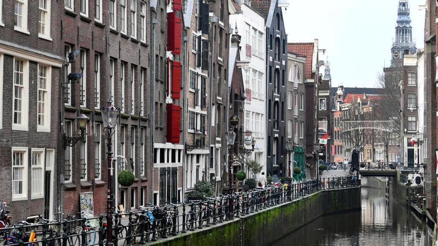 Ámsterdam se plantea prohibir la entrada de turistas a los 'coffeeshop'