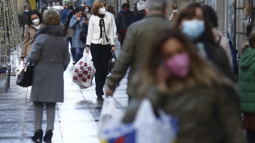 La pandemia provoca una cadena de cierres en el gran eje comercial del centro de Oviedo