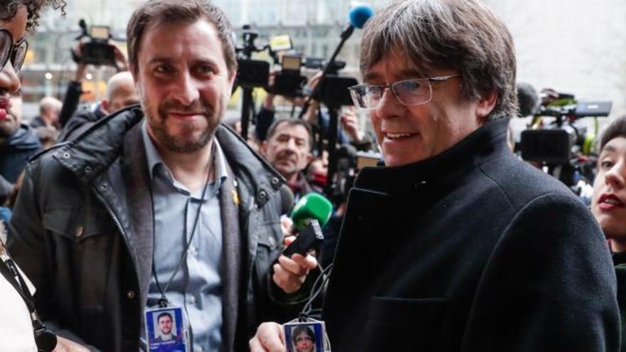 La Eurocámara concede la acreditación a Puigdemont