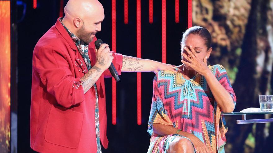 'Cantora arde' por la incendiaria entrevista de Kiko Rivera y no deja títere con cabeza