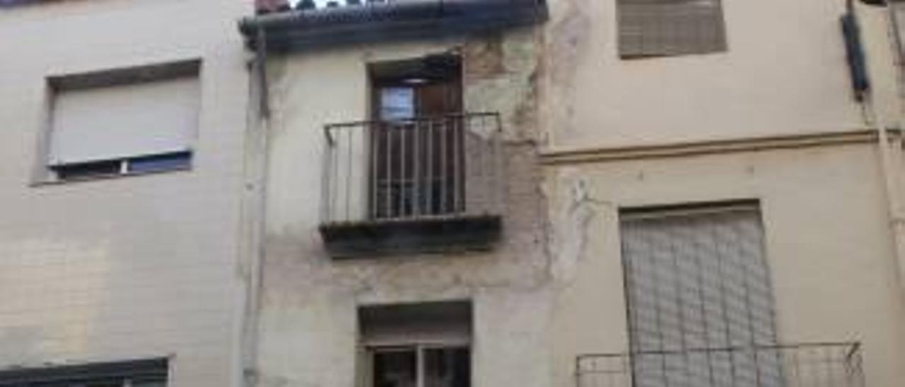 Alzira ya tiene comprador para la primera casa en ruinas que expropió