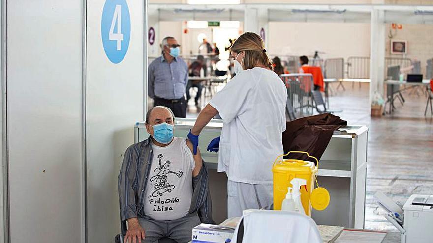 La vacunación en Ibiza y Formentera alcanza su máxima capacidad: más de 15.000 vacunas en una semana