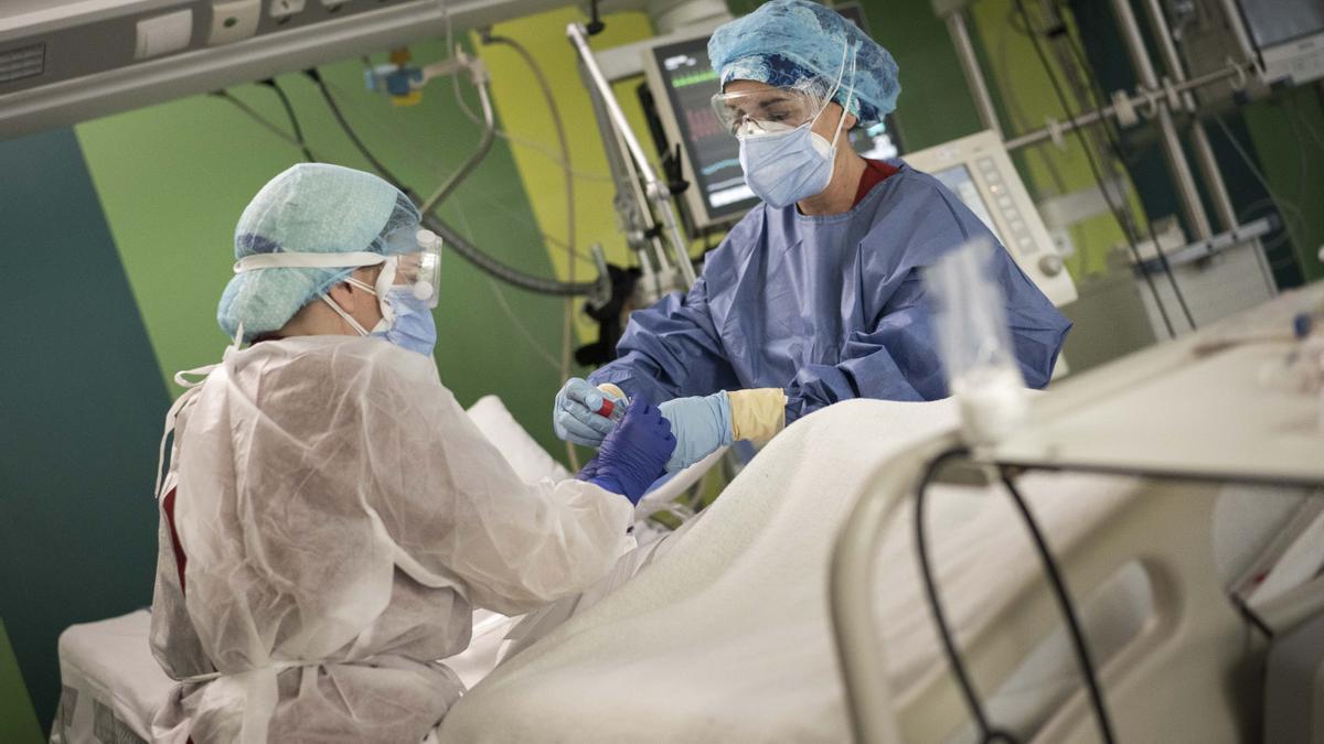Una cama de UCI en el Hospital General de València