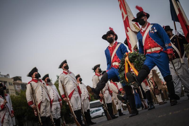 Homenaje a los caídos durante el 25 de julio de 1797 en el Cuartel de Almeyda