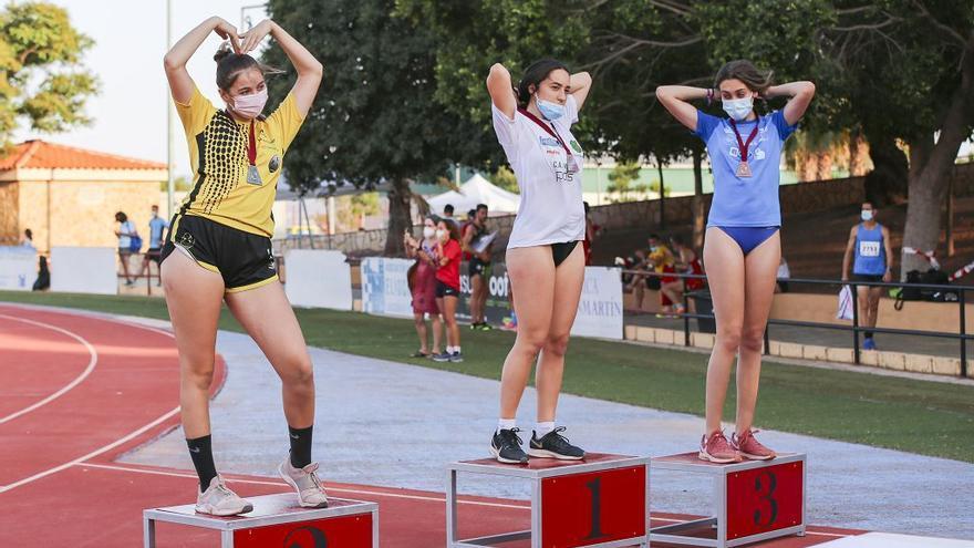 Lorca engalana a los campeones absolutos de atletismo de la Región