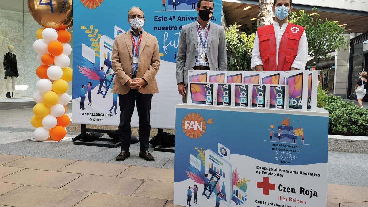 FAN Mallorca Shopping ha financiado la adquisición de 20 tablets