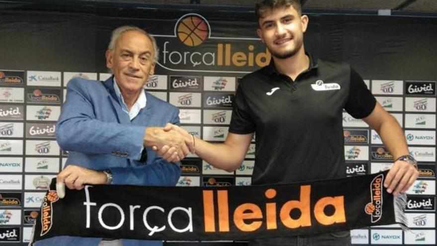 El Oviedo OCB de baloncesto prosigue con su reconstrucción y ficha a Marc Martí