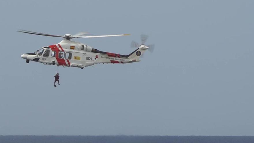 Hubschrauber-Übung zur Rettung Ertrinkender vor Mallorca