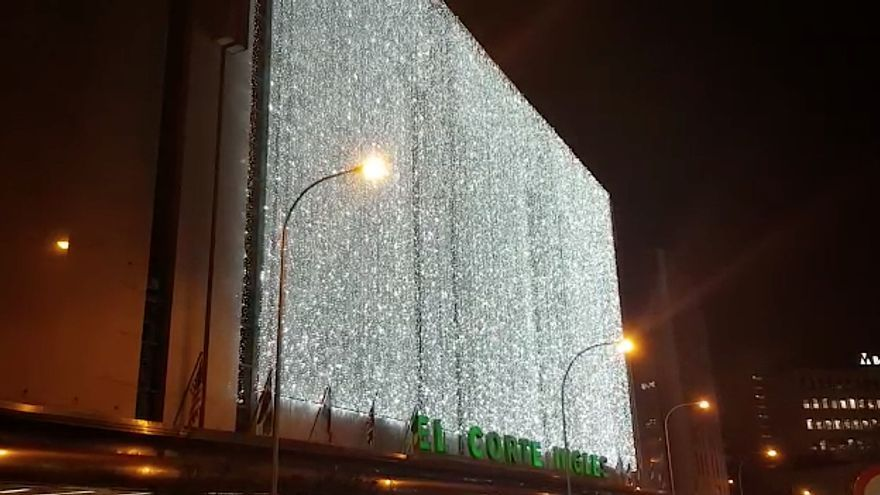 El Corte Inglés enciende sus luces navideñas