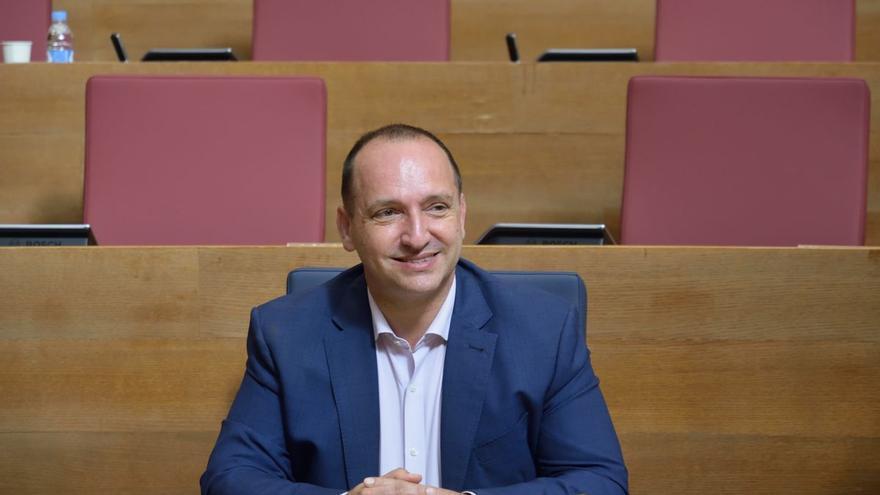 Dalmau confirma su marcha del Consell y propone a Illueca como sustituto