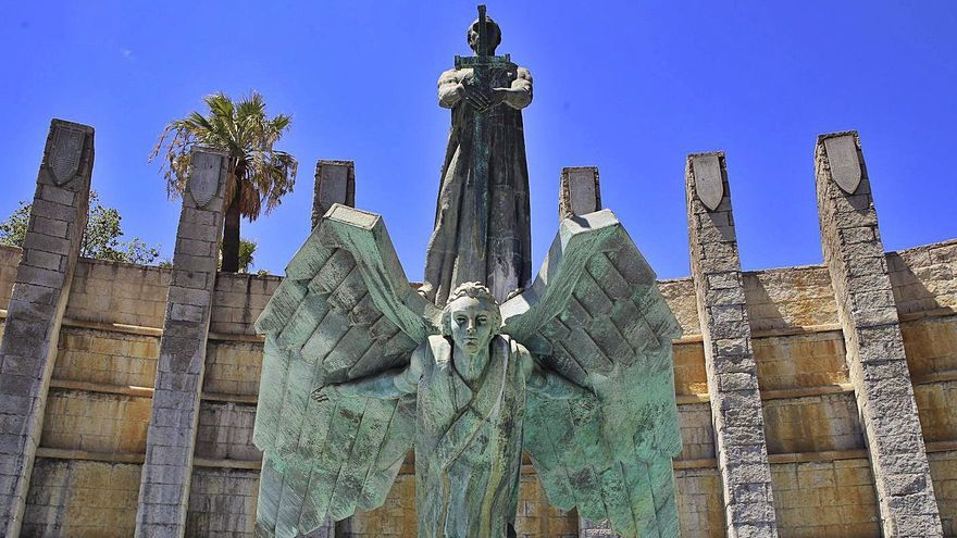 Santa Cruz de Tenerife aparca la eliminación de sus más de 80 símbolos franquistas