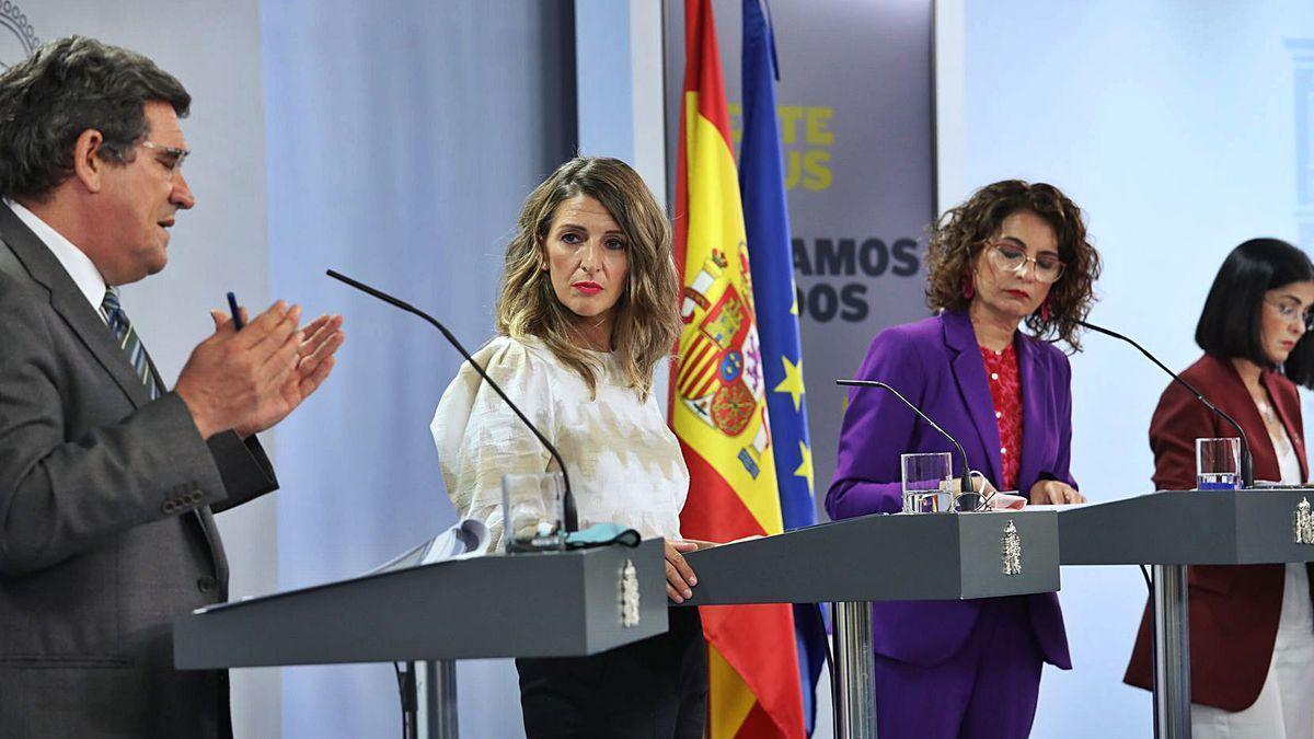 Escrivá, Yolanda Díaz, Montero y Darias, ayer, tras el Consejo de Ministros que dio luz verde a la prórroga de los ERTE.
