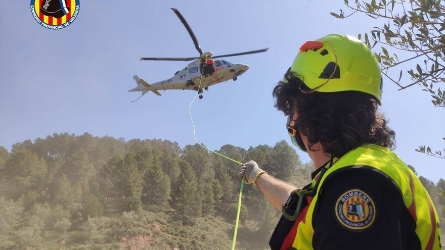 Rescatan en helicóptero a una senderista en las cascadas de Anna