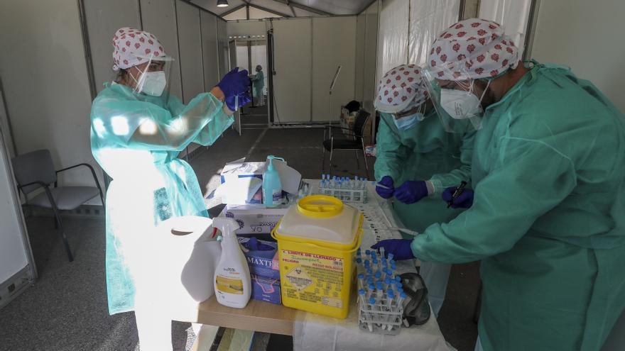 Sanidad notifica 867 nuevos positivos y 2 fallecidos por coronavirus en la provincia